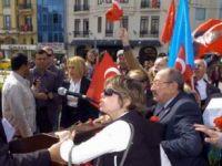 19 Mayıs Töreninde Atatürke Saygı İstediler