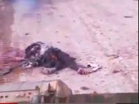 Esed Güçleri Müslümanı Tankla Ezdiler! (VİDEO)