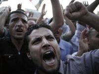 Mısır Cuntası Tahrirde Protesto Ediliyor