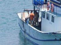 İzmirde Mültecileri Taşıyan Tekne Battı: 57 Ölü