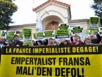 Fransa Konsolosluğunda Mali Protestosu (FOTO)