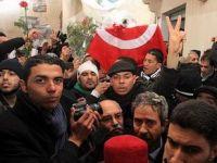 Tunus'ta Laik Cephe Greve Çağırdı!