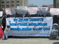 Mısırlı Darbeciler İzmir'de protesto edildi