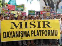 Antalyada Mursi ve Mısır Halkına Destek Eylemi