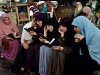 Karanlığa ve Zulme Karşı Yürüyen Kur'anlar Olalım