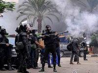 Sina'da Cunta Karşıtlarına Kurşun
