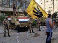 Mısır'da Meydanlar Halka Kapatıldı