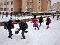 Kar Yağışı Nedeniyle 15 İlde Okullar Tatil