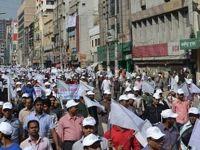 Bangladeş'teki Hükümet Karşıtı Gösteriler Sürüyor
