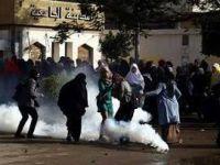 Mısır'da Öğrenci Gösterileri Yayılıyor