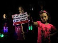 Gazzeli Çocuklar İsrail Ablukasını Protesto Etti
