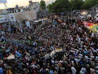 Pakistan'da Gerilim Tırmanıyor