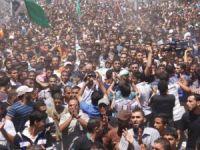 Şehit Komutanların Cenaze Törenine Binlerce Filistinli Katıldı