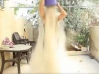 Gazze İçin Kafasına Bir Kova Moloz Boşalttı (VİDEO)