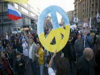 Savaş Karşıtları Moskova'da Yürüdü
