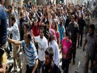 Suriyeli Muhacirler ABD Saldırılarını Protesto Etti (VİDEO)