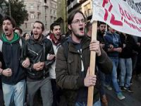 Yunanistan'da 500 Okul Öğrenciler Tarafından İşgal Edildi