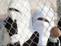 Siyonist İsrail Zindanlarında 18 Kadın Esir Var