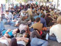 300 Uygur Türkü İçin Hükümet Devreye Girdi