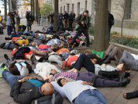 """ABD'de """"Ferguson"""" Protestoları Sürüyor"""