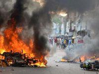 Hindistan'da Üç Müslüman Yakılarak Katledildi