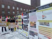 Dusseldorf'ta Darbeye Lanet Direnişe Dua