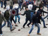 Kosova Karıştı! 150 Yaralı 38 Gözaltı