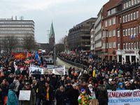 Almanya'da PEGIDA Karşıtı Gösteri