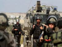 Siyonist İsrail Filistin'de Okul Bastı