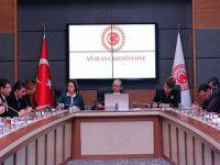 """""""18 Yaş"""" Teklifi Anayasa Komisyonu'nda Kabul Edildi"""