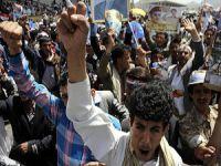 Yemen'de İran ve Husiler Protesto Edildi