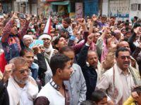 Yemen'de Hadi'ye Destek Gösterisi Düzenlendi