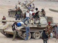 Aden'de Cumhurbaşkanlığı Sarayına Saldırı