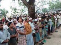 Bangladeş Kamaruzzaman İçin Ayakta!