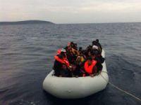 """""""Kayığın Batmaması İçin Kaç Mülteci Suya Atılmalı?"""""""