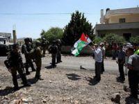 """""""Filistin Köyü"""" İşgalin Karşısında Direniyor"""