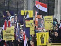İstanbul Üniversitesi'nde Cuntanın İdam Kararlarına Protesto