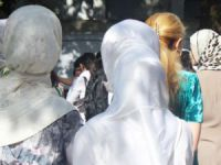 Özbekistan'da Tesettür Yasağı Pazarlara İndi