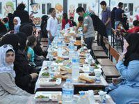 Suriyeli Yetimlerle Ramazan'ın İlk Günü