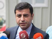 Selahattin Demirtaş: Öcalan'la Rakip Değiliz