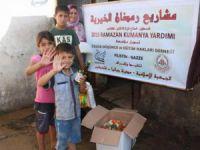 Özgür-Der'den Gazze'de Kumanya Dağıtımı