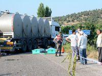 Tarım İşçisi Taşıyan Kamyonetle Süt Tırı Çarpıştı: 15 Ölü