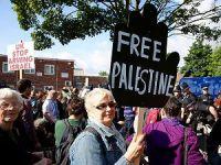 İngiltere'de 'İsrail İle Silah Ticareti' Protesto Edildi