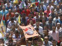 Yakılarak Katledilen Filistinli Bebek Toprağa Verildi!