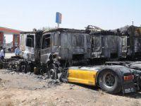 Şırnak'ta Park Halindeki 6 Tır Ateşe Verildi