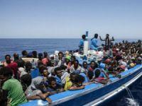 Libya'da Yüzlerce Göçmeni Taşıyan İki Tekne Battı