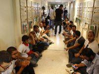 Lübnan'da Protestocular Bakanlık Binasını Bastı