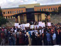 Şehir Üniversitesi'nde Öğrenciler de İsyanda!