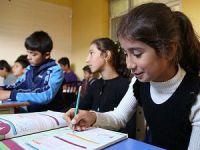 Hatay'da Suriyeli Çocuklar İçin Okul