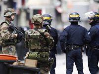 Fransa'da Polis ve Jandarma Alarma Geçirildi